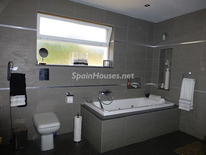 1033 - Charming Villa for Sale in Mijas, Costa del Sol