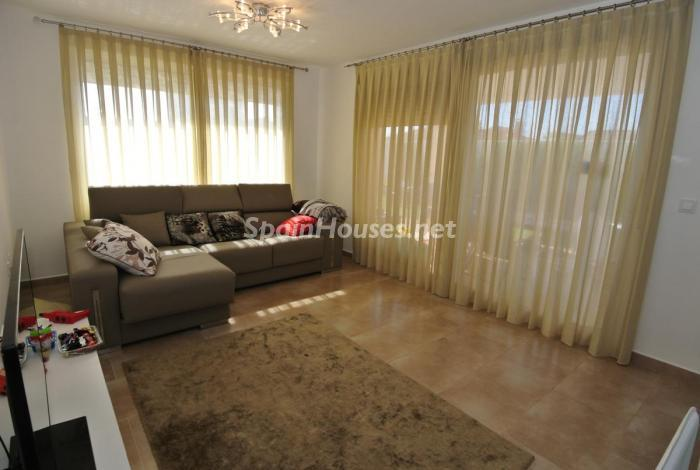 1036 - Beautiful Detached Chalet for Sale in Torrevieja (Alicante)