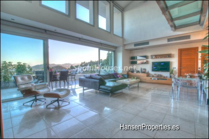 104 - Modern Style Villa for Sale in Malaga City