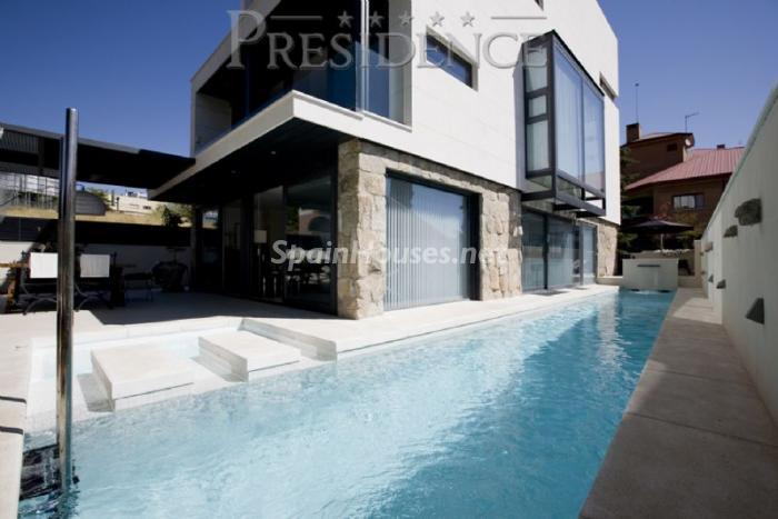 1061467 4343018 1 - Splendid villa for sale in Madrid according to Feng Shui principles