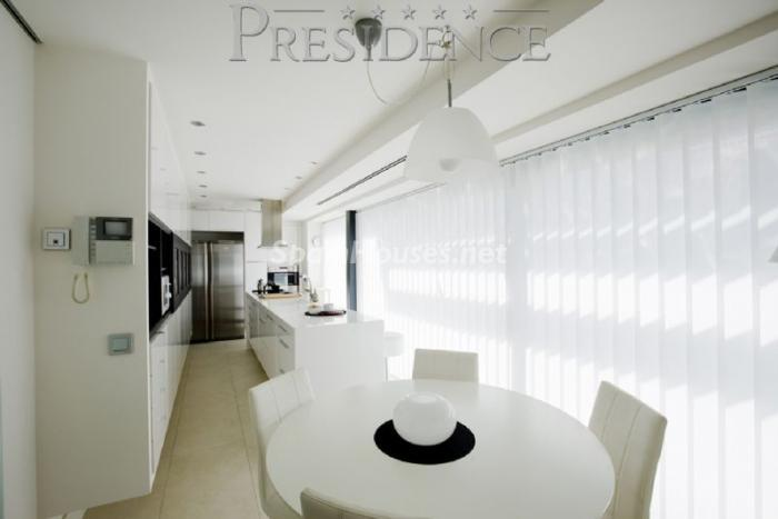 1061467 4343018 2 - Splendid villa for sale in Madrid according to Feng Shui principles