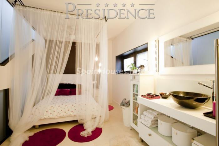 1061467 4343018 8 - Splendid villa for sale in Madrid according to Feng Shui principles