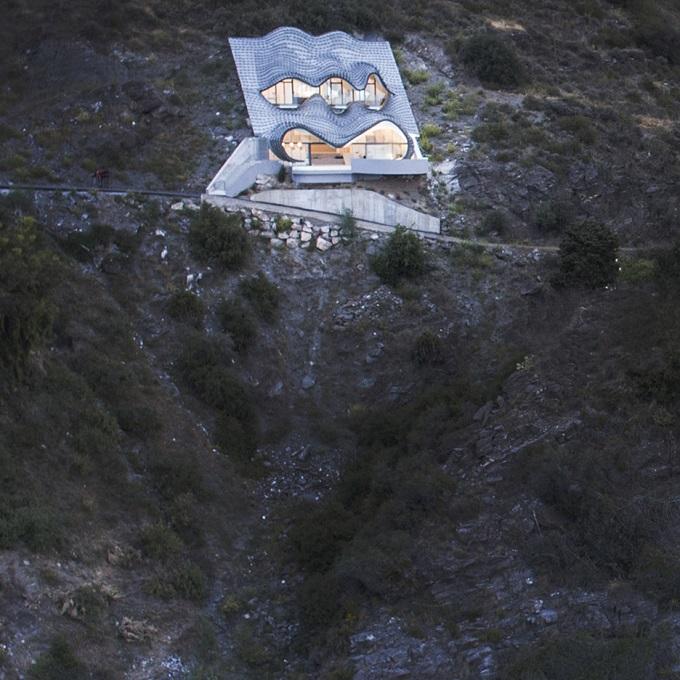11. Cliff House by Gilbartolomé - House on the Cliff: a residence designed by GilBartolomé Architects