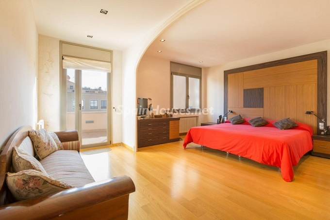 11. Home in Gràcia Barcelona - For Sale: Terraced house in the heart of Barcelona city