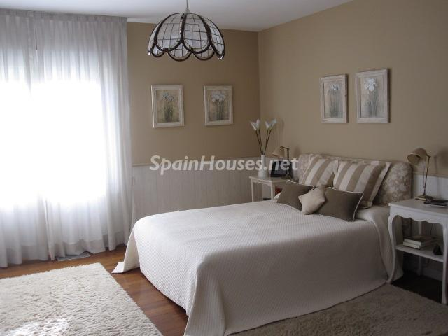 11. House for sale in Madrid - Classic Style Chalet for Sale in Boadilla del Monte, Madrid