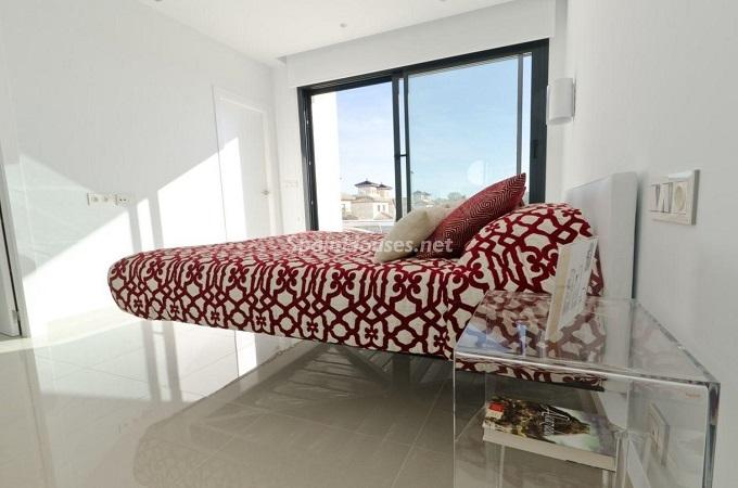 11. House for sale in Santa Pola (Alicante)