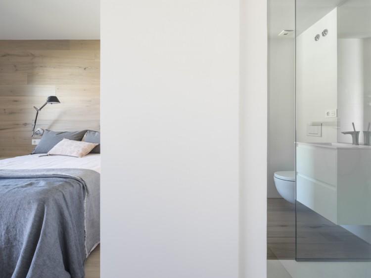 11. House in Barcelona by Susanna Cots e1448441157607 - Maison de Vacances, Barcelona, by Susanna Cots Interior Design