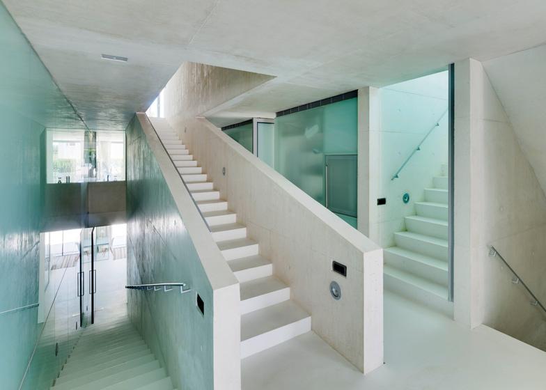 11. Jellyfish-House
