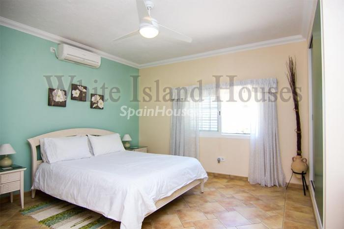 11-villa-for-sale-in-santa-eulalia-del-rio-ibiza