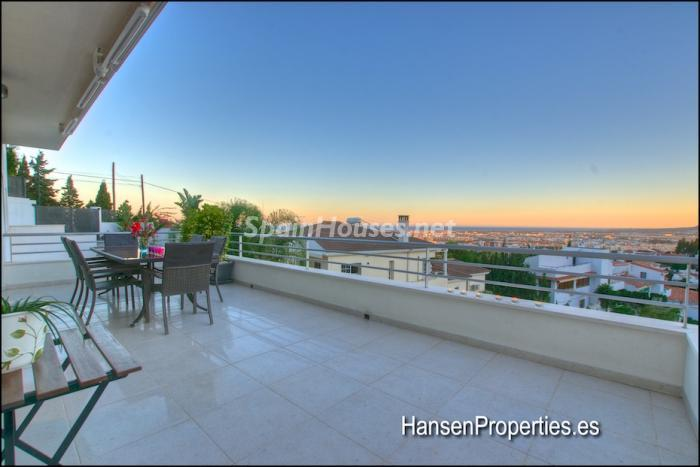 1111 - Modern Style Villa for Sale in Malaga City