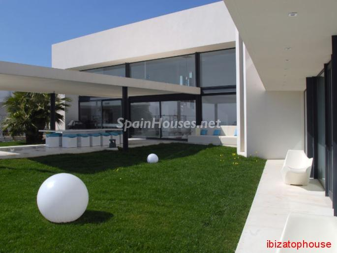 112 - Vacational rental detached villa in Ibiza (Baleares)