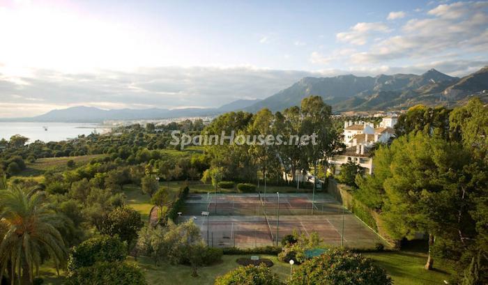 1124 - Luxury Apartment for Sale in Marbella, Malaga