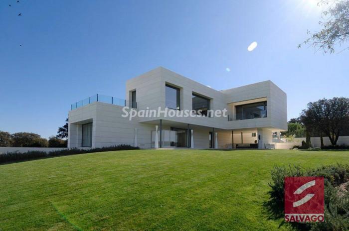 Outstanding Villa For Sale in Pozuelo de Alarcón (Madrid)