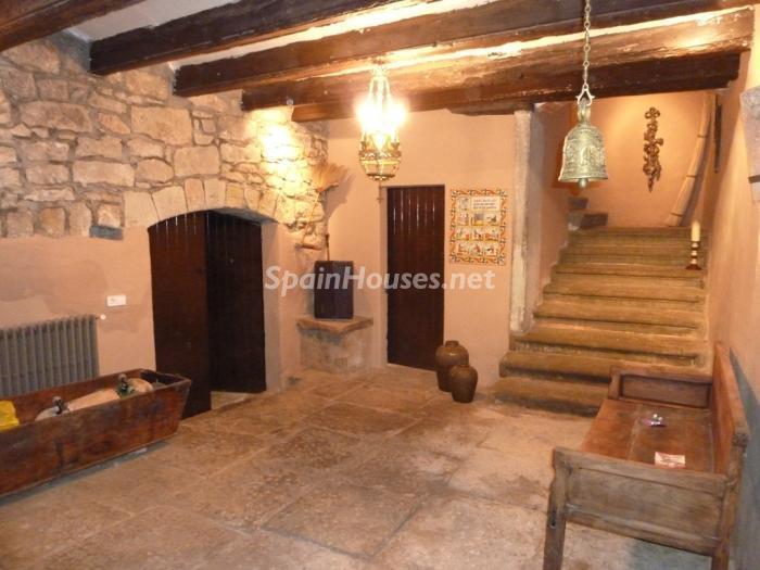 12. Detached house for sale in Cervera Lleida - For Sale: Beautiful Detached House in Cervera, Lleida