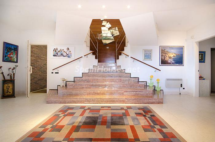 12. Detached house for sale in Torredembarra Tarragona - For Sale: Super Beach House in Torredembarra, Tarragona