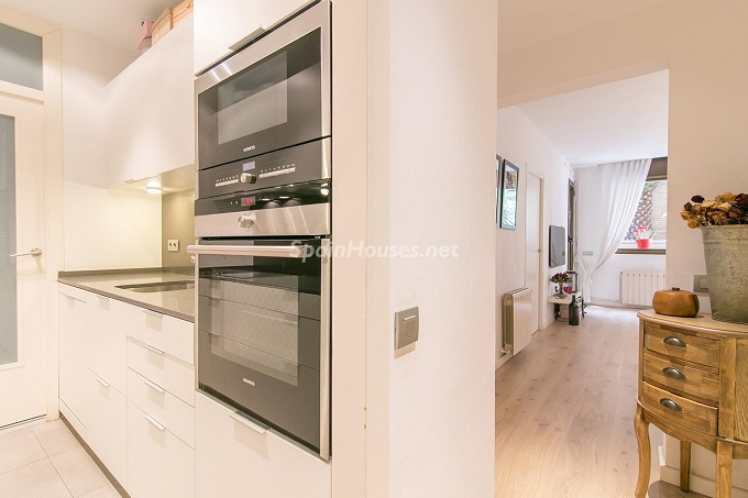 12. Flat for sale in Barcelona 1 - For Sale: 3 Bedroom Apartment in Barcelona City