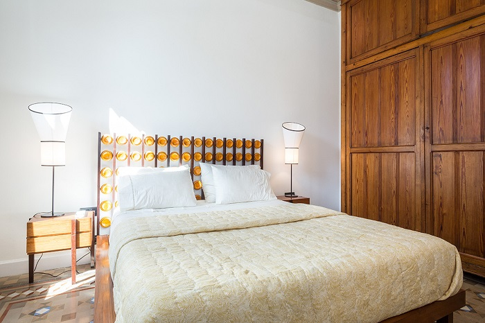 12. Flat in Eixample, Barcelona, by Squad One