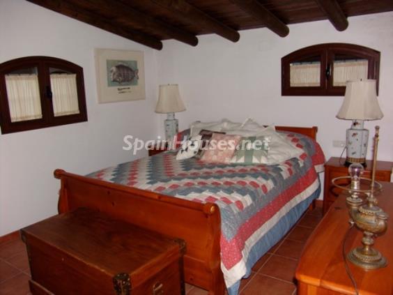 12. House for sale in Aracena (Huelva)