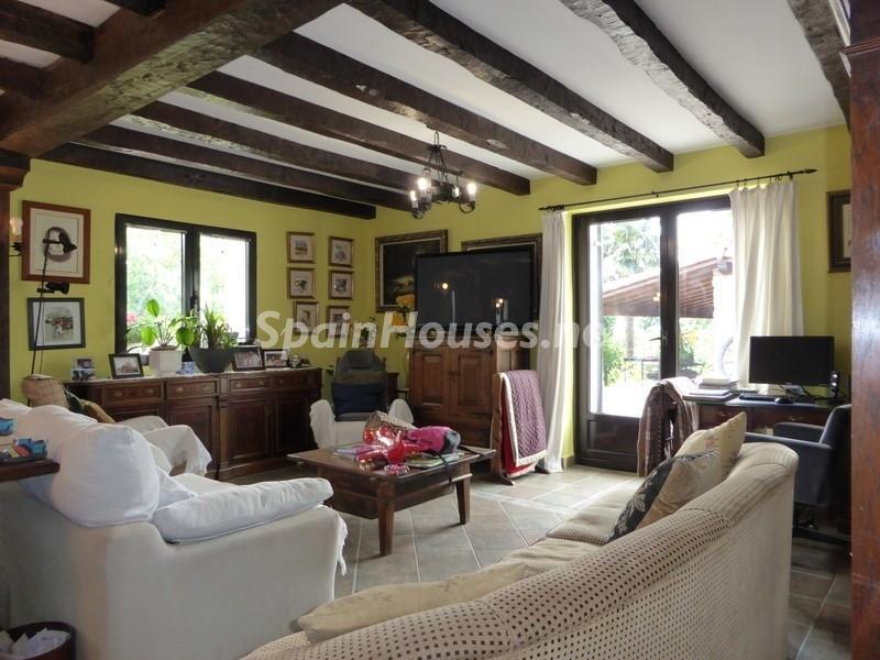 12. House for sale in Hondarribia Guipúzcoa - Charming Country House in Hondarribia, Guipúzcoa