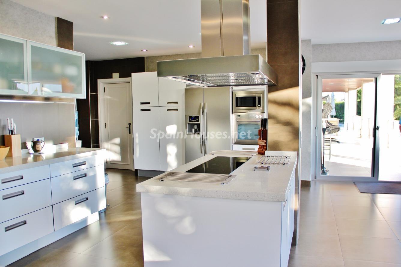 12. House for sale in Las Rozas de Madrid Madrid 1 - Exclusive 7 Bedroom Villa for Sale in Las Rozas de Madrid