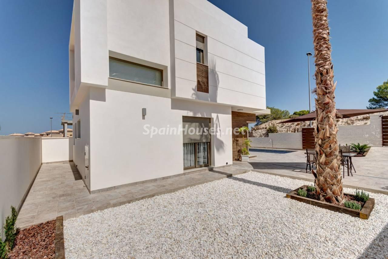 12. House for sale in Orihuela Costa Alicante - Brand New Villa in Orihuela Costa, Alicante