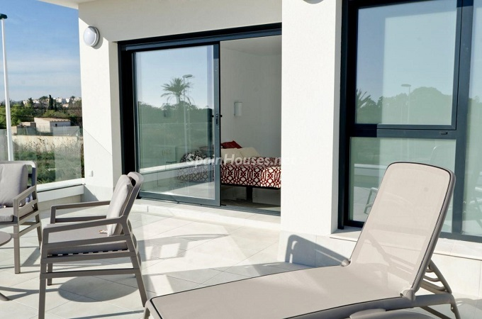 12. House for sale in Santa Pola (Alicante)