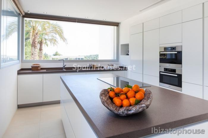 12. Villa for sale in Ibiza Balearic Islands - For Sale: Stunning Villa in Ibiza, Balearic Islands