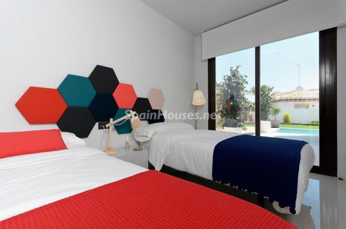 12. Villa for sale in Orihuela Costa (Alicante)