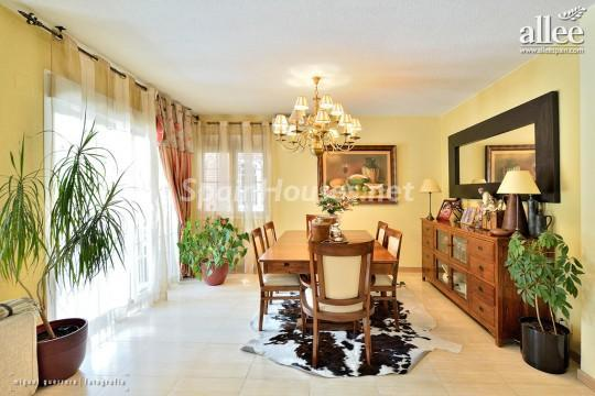 1208184 2737 9 - Fantastic Villa for Sale in Madrid, Spain