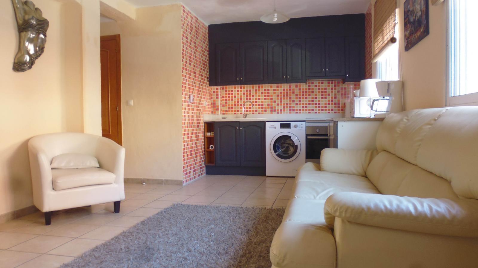 1208520 1780812 foto50378489 - Homes for sale in Alicante under €150,000!