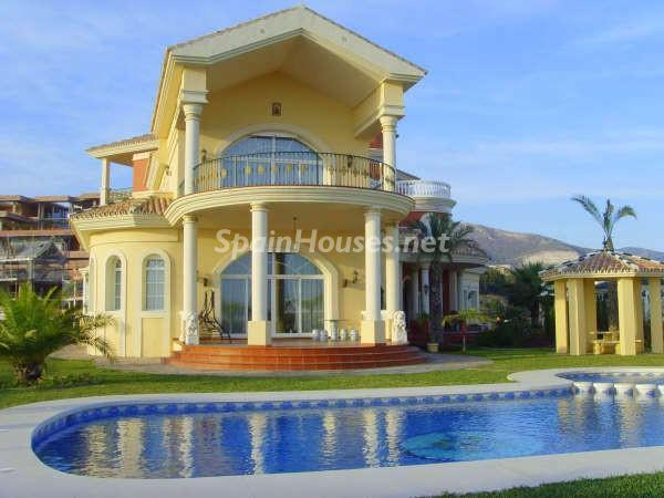 1218557 18740474 4 - Luxury Villa for Sale in Benalmádena (Málaga)