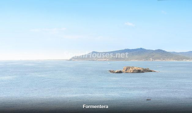 1220 - Stunning Holiday Let Apartment in Ibiza (Baleares)