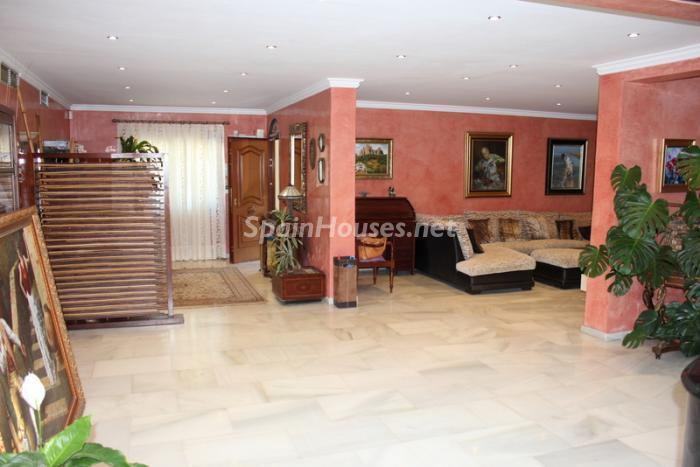 1236 - Fantastic Villa For Sale in Torremolinos, Málaga