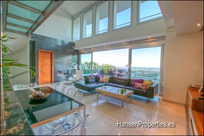 128 - Modern Style Villa for Sale in Malaga City