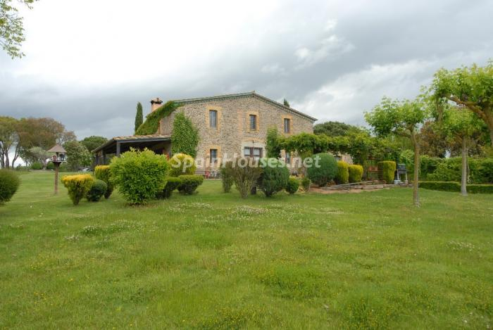 129 - Beautiful Country House for Sale in Sils, Girona