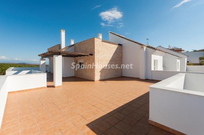 13. Apartment for sale in Alcaidesa - Spectacular Apartment for Sale in Alcaidesa,  Cádiz