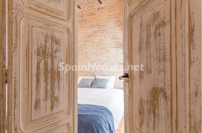 13. Apartment for sale in Barcelona - For Sale:  Renovated Apartment in Barcelona