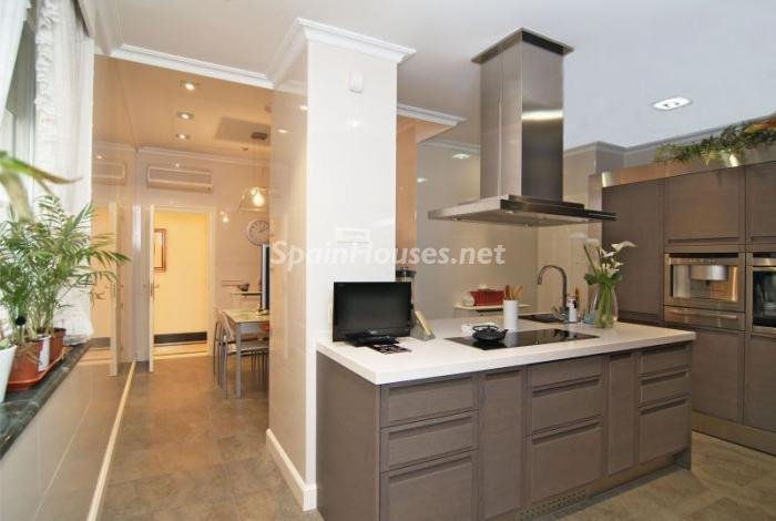 13. Apartment for sale in Salamanca - Luxurious Apartment for Sale in Madrid City