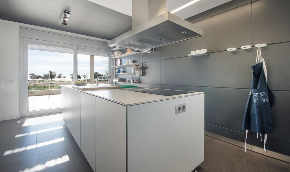 13. Beach house in Cambrils Tarragona 1 - For Sale: Beach House in Cambrils, Tarragona