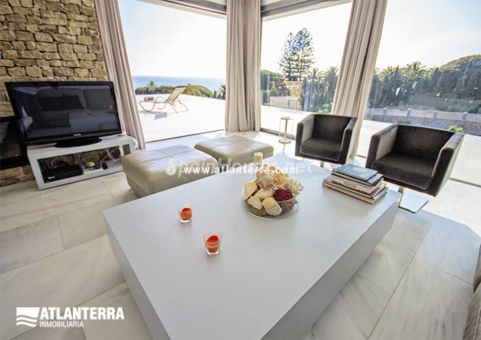 13. Detached villa for sale in Zahara de los Atunes