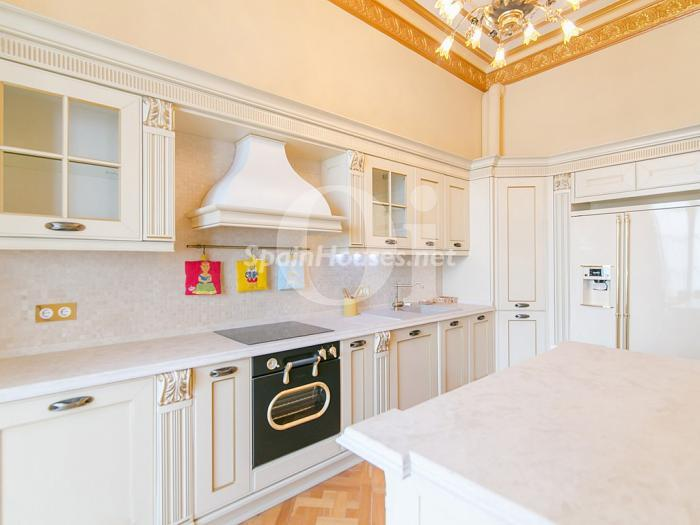 13. Flat for sale in Barcelona