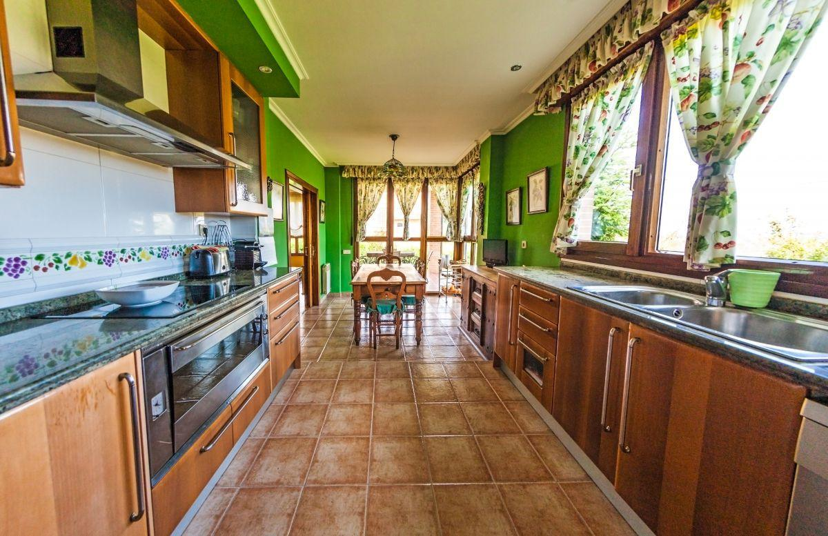 13. House for sale in Gijón - For Sale: 5 Bedroom House in Gijón (Asturias) with Outstanding Garden