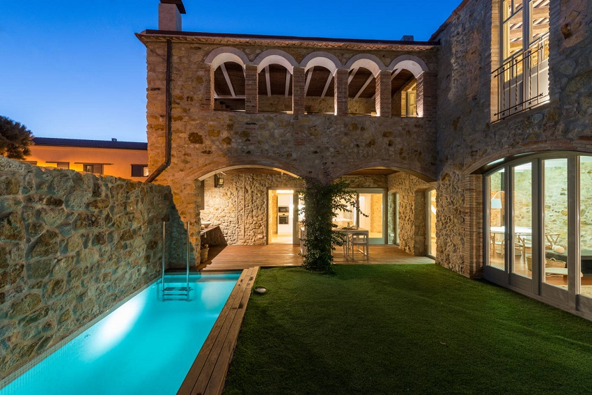 13. House restoration in Girona - Stunning country house renovation by architect Gloria Duran