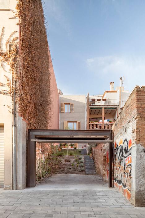 13. Skinny houses in Sant Cugat