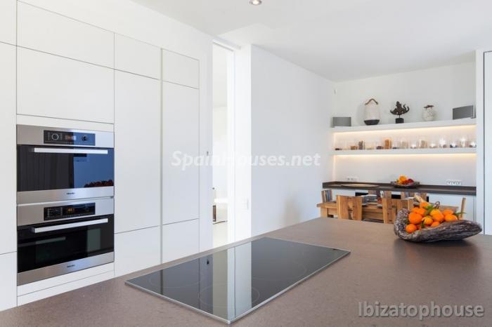 13. Villa for sale in Ibiza Balearic Islands - For Sale: Stunning Villa in Ibiza, Balearic Islands