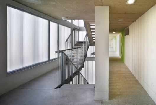1338189489 07911 098dfr 528x354 - Modern Architecture in Oropesa del Mar