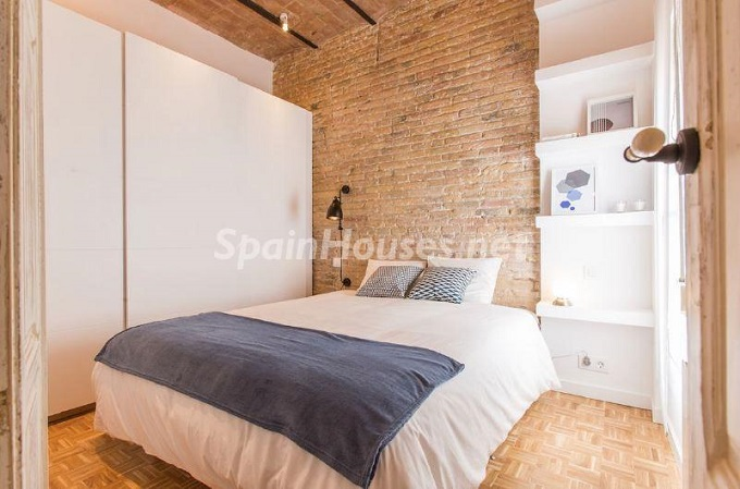 14. Apartment for sale in Barcelona - For Sale:  Renovated Apartment in Barcelona