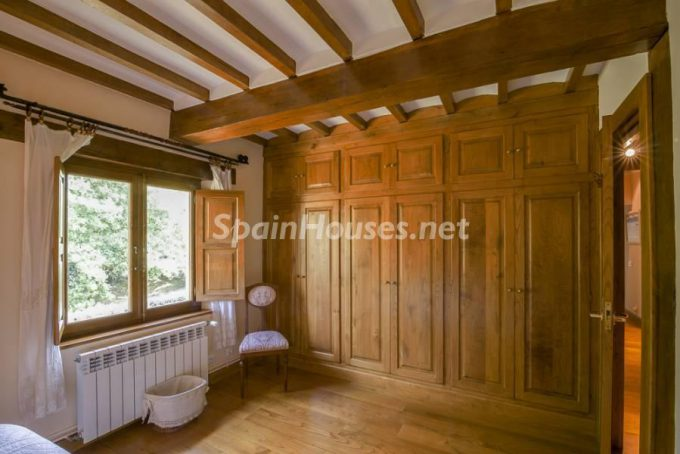 14. Country house for sale in Castañeda Cantabria e1472200180295 - For Sale: Country House in Castañeda, Cantabria, Northern Spain