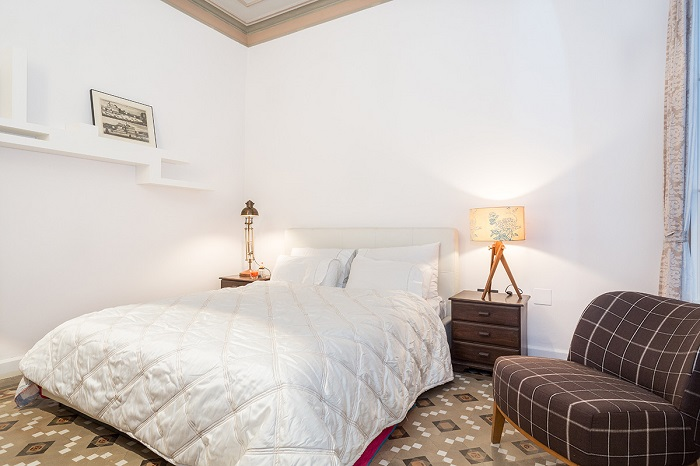 14. Flat in Eixample, Barcelona, by Squad One