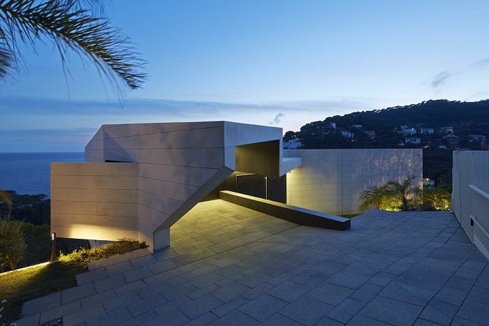 14. Seaside residence in Girona